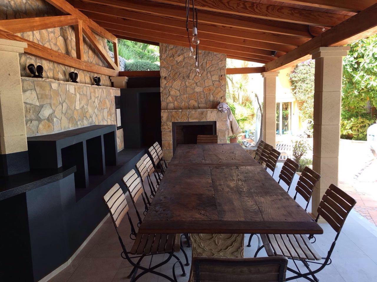 Fertigstellung der Außenküche in Son Vida (Mallorca)