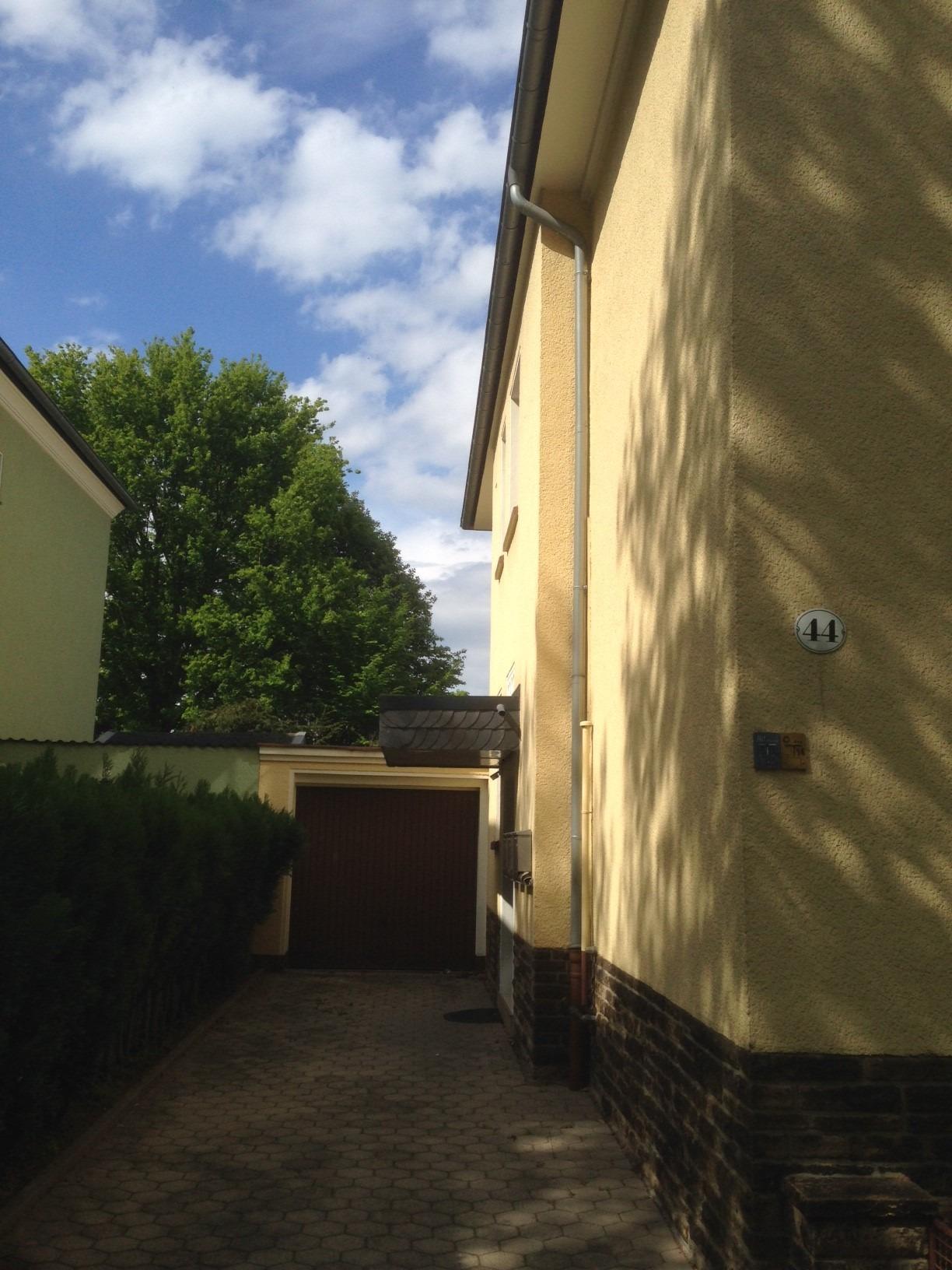 Einfahrt und Hauseingang, Mehrfamilienhaus in Dortmund