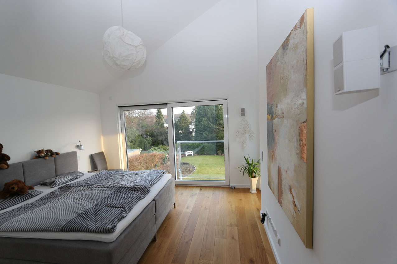 Schlafzimmer mit traumhaften Ausblick in den Garten, Neubau in Dortmund-Lücklemberg