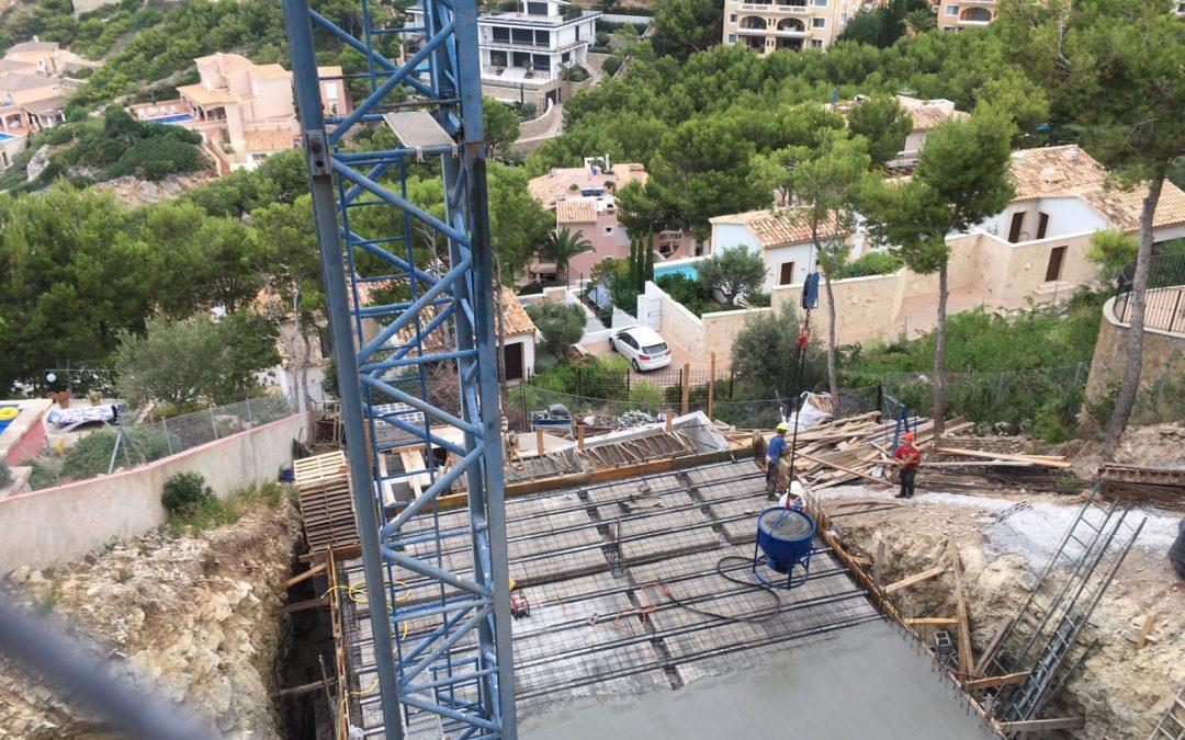 Update Baumaßnahme Cala Moragues – Erdgeschoss- & Terrassen-Bodenplatte betoniert